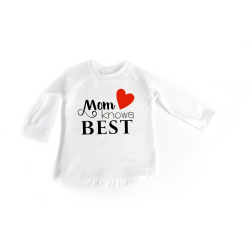 Mom knows best t-shirt gebroken wit